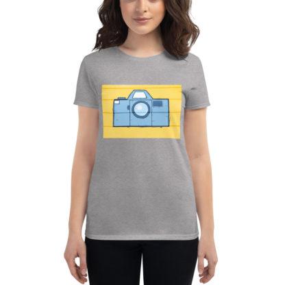 camiseta-chica-fotografía-gris