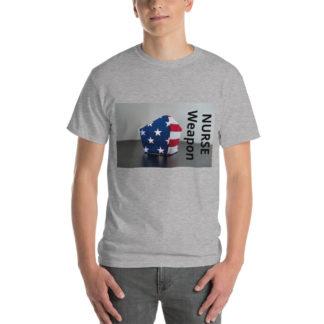 camiseta chico nurse weapon